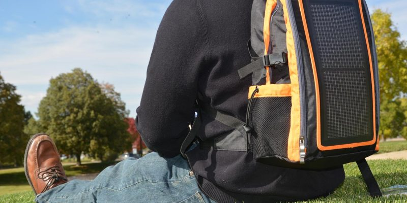 Pros And Cons of Using A Solar Panel Backpack